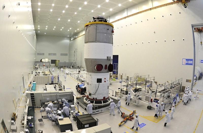 Phóng vệ tinh Thần châu 11, Trung Quốc tham vọng gì?