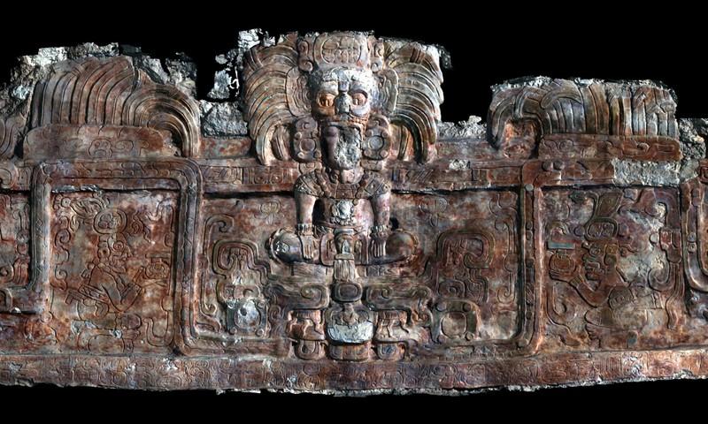 Cổ mộ ở kim tử tháp Maya hé lộ bí ẩn 'vua rắn'