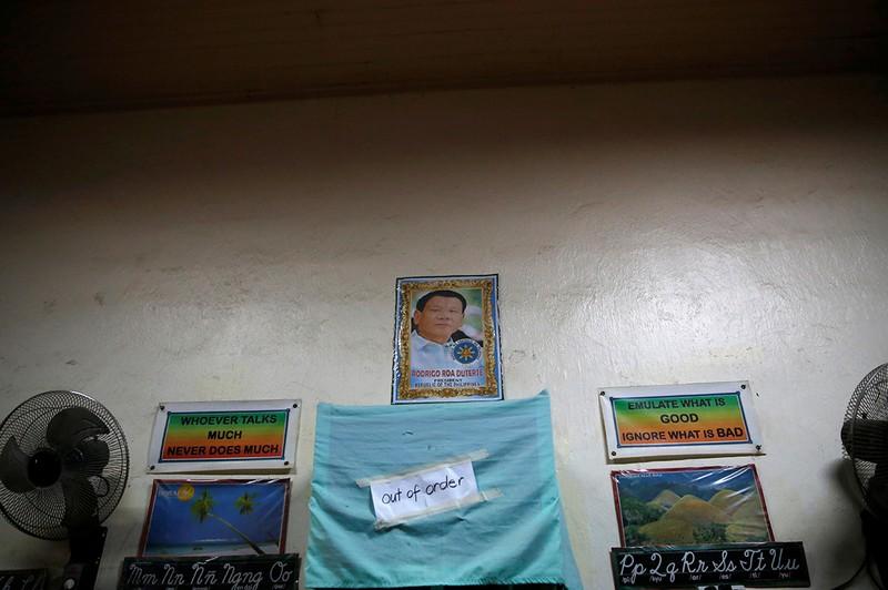 Hé lộ cuộc sống trong các trại cai nghiện Philippines - ảnh 10