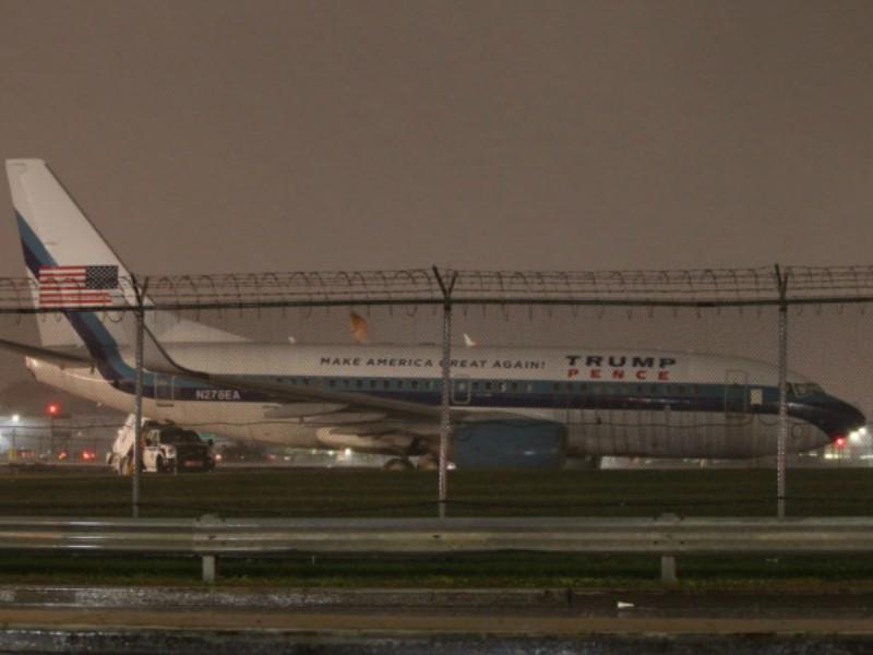 Máy bay ứng viên phó Tổng thống trượt khỏi đường băng