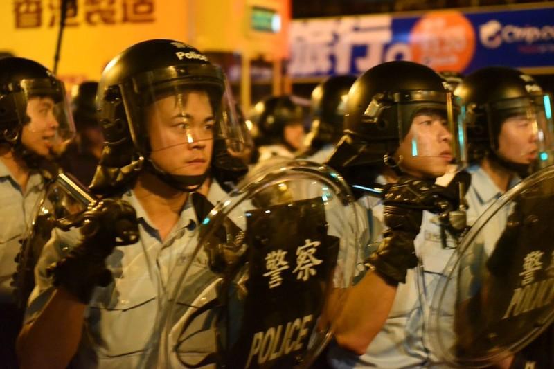 Biểu tình tại Hong Kong leo thang bạo lực - ảnh 2