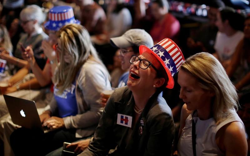 Trang nhập cư Canada bị sập sau khi ông Trump đắc cử - ảnh 1