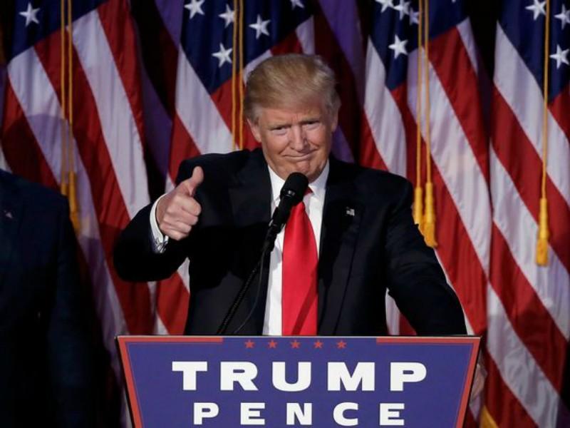 Ông Donald Trump trong bài phát biểu sau khi giành chiến thắng trước ứng cử viên đảng Dân chủ Hillary Clinton. Ảnh: REUTERS