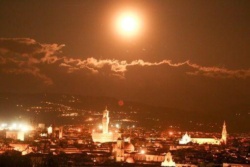 Thế giới ngước nhìn 'siêu trăng' lớn nhất 70 năm qua - ảnh 6