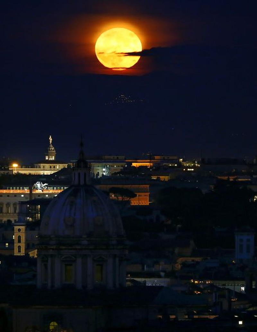 Thế giới ngước nhìn 'siêu trăng' lớn nhất 70 năm qua - ảnh 5