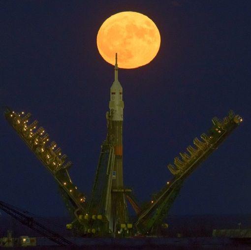 Thế giới ngước nhìn 'siêu trăng' lớn nhất 70 năm qua - ảnh 12