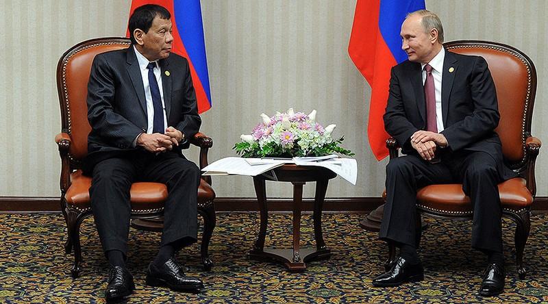 Duterte gặp Putin: Phương Tây gây chiến, sợ tham chiến - ảnh 1