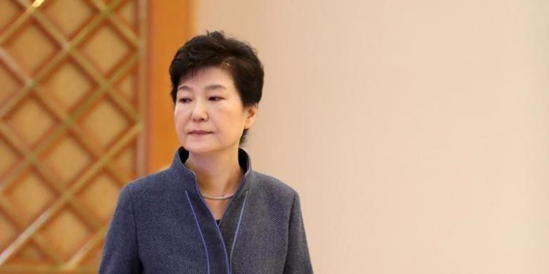 Bà Park Geun-hye bị nghi là đồng phạm tham nhũng - ảnh 1