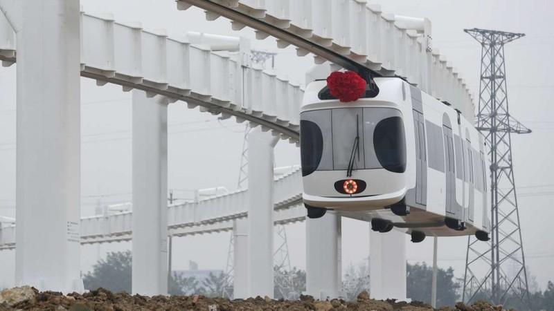 Trung Quốc sắp có tàu lửa 'treo lơ lững' giữa trời