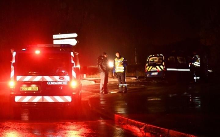 Pháp: Phần tử vũ trang xông vào cơ sở có hơn 70 tu sĩ - ảnh 1