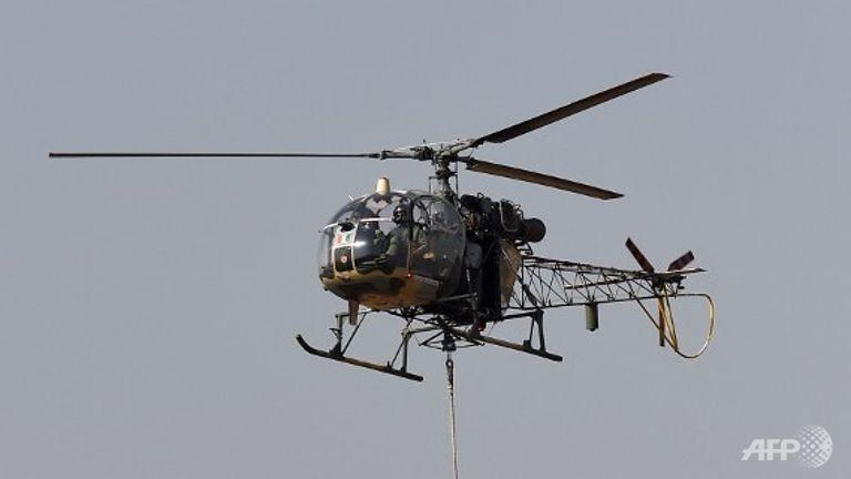 Ấn Độ: Rơi trực thăng quân sự, 3 người chết - ảnh 1