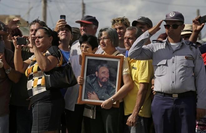 Đưa lãnh tụ Fidel Castro về nơi an nghỉ cuối cùng - ảnh 14