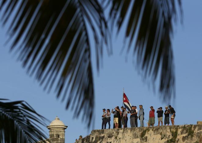 Đưa lãnh tụ Fidel Castro về nơi an nghỉ cuối cùng - ảnh 12