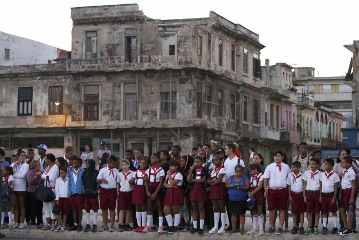 Đưa lãnh tụ Fidel Castro về nơi an nghỉ cuối cùng - ảnh 13