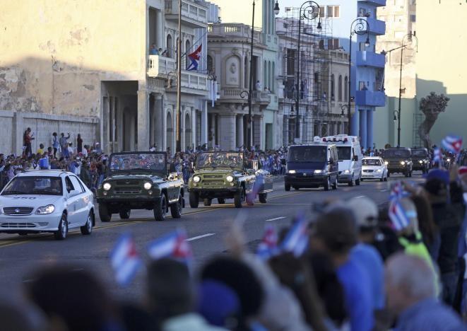 Đưa lãnh tụ Fidel Castro về nơi an nghỉ cuối cùng - ảnh 8