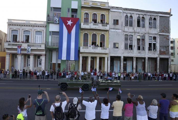 Đưa lãnh tụ Fidel Castro về nơi an nghỉ cuối cùng - ảnh 9