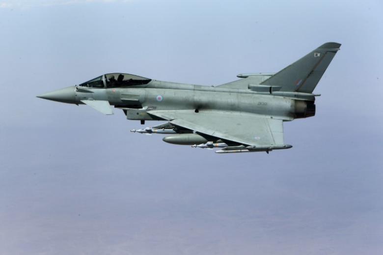 Chiến đấu cơ Anh sẽ bay qua bầu trời Biển Đông