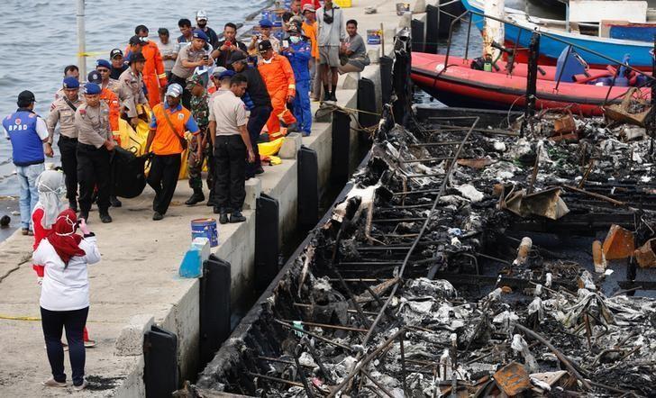 Cháy tàu du lịch Indonesia, hơn 20 người thiệt mạng - ảnh 2