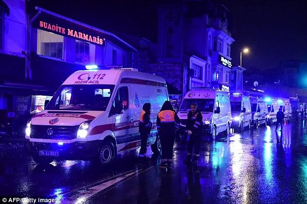 Khủng bố tại hộp đêm Istanbul 'đội lốt' ông già Noel  - ảnh 2