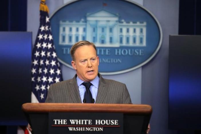 Sau lễ nhậm chức, Nhà Trắng liền gây chiến với báo đài - ảnh 1