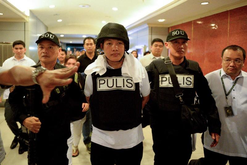 Ông Duterte đòi treo cổ 20 cảnh sát 'bẩn' - ảnh 1