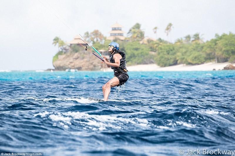 Ông Obama tận hưởng tại đảo thiên đường cùng tỉ phú - ảnh 3