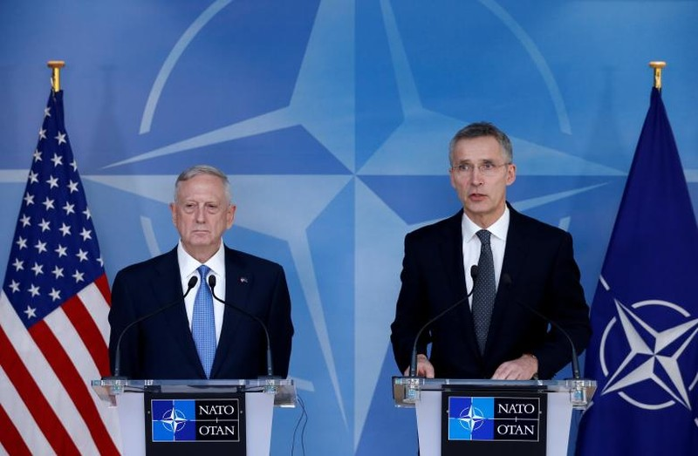 Mỹ dọa giảm cam kết nếu NATO không chi thêm tiền - ảnh 1