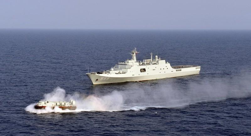 TQ ngang nhiên tập trận 'tấn công bất ngờ' ở biển Đông - ảnh 1
