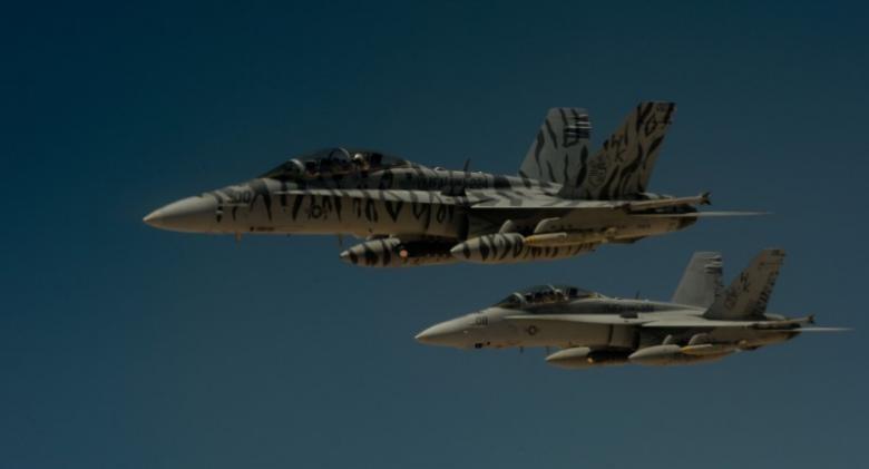 F-18 Mỹ bắn hạ Su-22 Syria, xung đột leo thang - ảnh 2