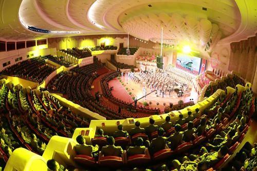 Triều Tiên mở đại tiệc cho các nhà khoa học hạt nhân - ảnh 3