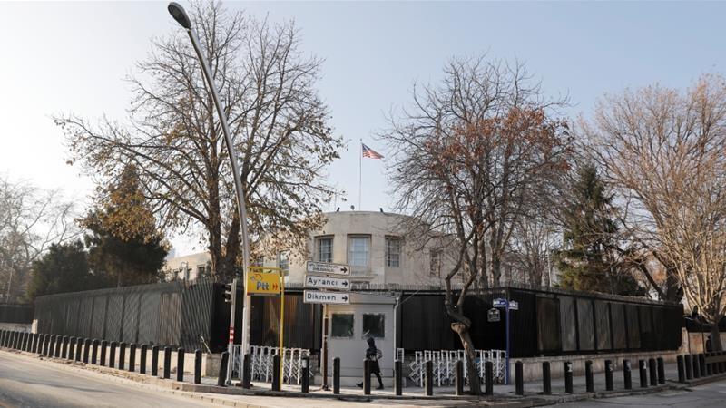 Mỹ đáp trả Thổ Nhĩ Kỳ vụ bắt nhân viên lãnh sự quán - ảnh 1