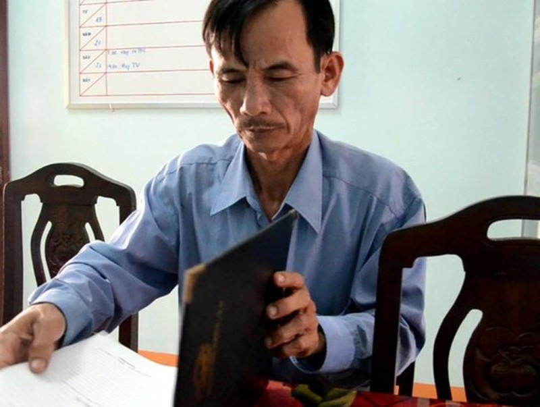 Là chủ tịch UBND xã kiêm tổ trưởng điều phối Chương trình mục tiêu Quốc gia phát triển nông thôn mới xã Quế Long nhưng ông Lê Văn Nhân nói rằng mới nắm thông tin Ảnh: CTV