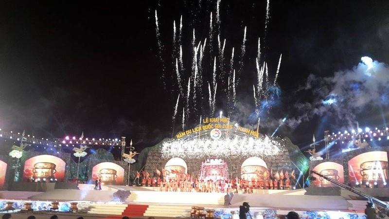 Hoành tráng lễ khai mạc Năm du lịch quốc gia 2015 - Thanh Hóa - ảnh 1