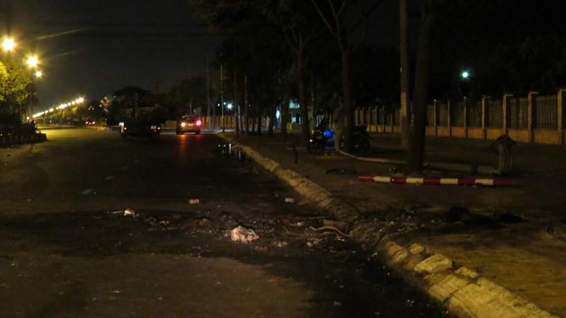 Tự gây tai nạn, người đàn ông trong xe Camry chết cháy không thể nhận dạng  - ảnh 3