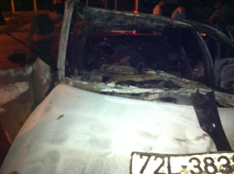 Tự gây tai nạn, người đàn ông trong xe Camry chết cháy không thể nhận dạng  - ảnh 5