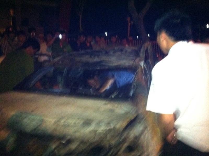 Tự gây tai nạn, người đàn ông trong xe Camry chết cháy không thể nhận dạng  - ảnh 4