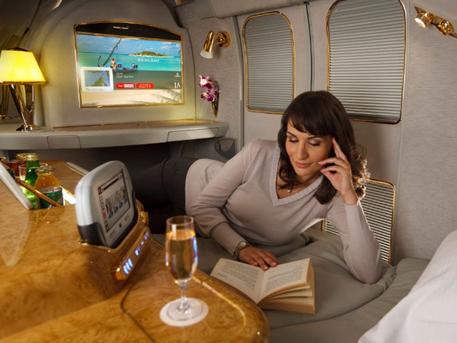 Khoang hạng nhất dát vàng trên máy bay Emirates - ảnh 3