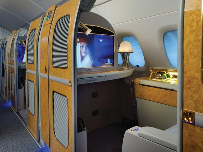 Khoang hạng nhất dát vàng trên máy bay Emirates - ảnh 2