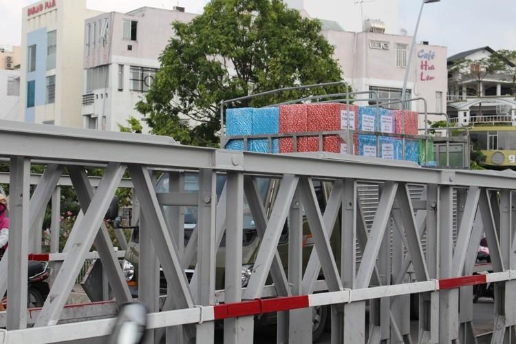 Cầu Trần Khánh Dư sáng chiều đều... kẹt - ảnh 7