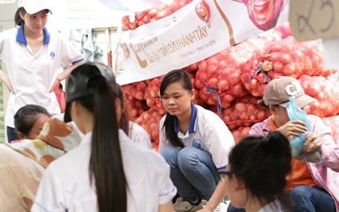 'Giải cứu' hành tây giúp nông dân Đà Lạt - ảnh 1