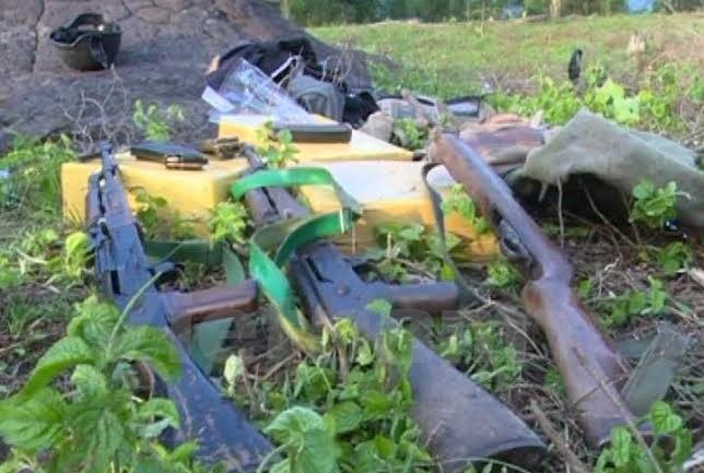 Công an đấu súng với 28 tên tội phạm, thu 160 bánh heroin - ảnh 1