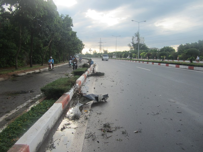 Tự gây tai nạn, tài xế ô tô tử vong tại chỗ - ảnh 2