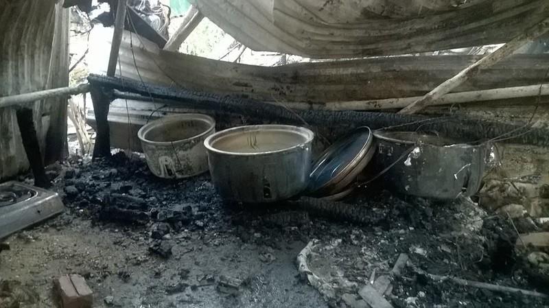 Cháy khủng khiếp trong đêm ở khu lán công nhân, 4.000 người tháo chạy - ảnh 4