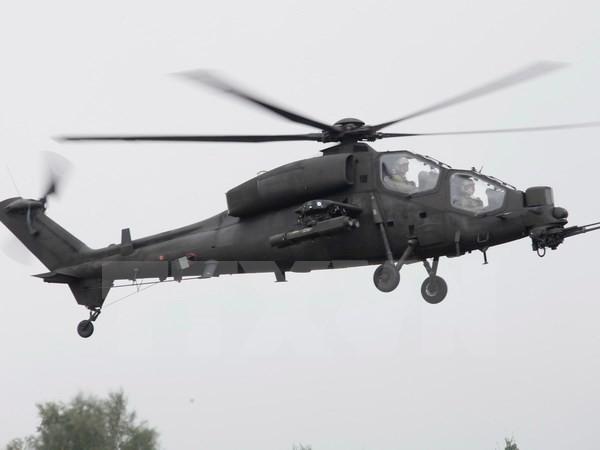 Máy bay trực thăng quân sự của Lào chở 20 người mất tích - ảnh 1