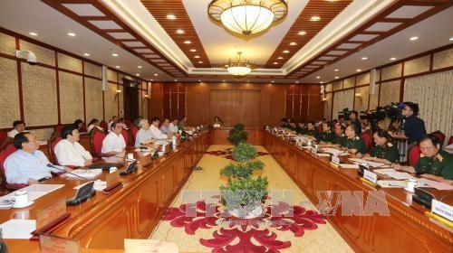 Bộ Chính trị làm việc với Ban Thường vụ Quân ủy Trung ương - ảnh 1
