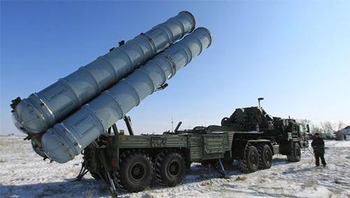 Nga hé lộ khả năng đáng kinh ngạc của tổ hợp S-400 - ảnh 1