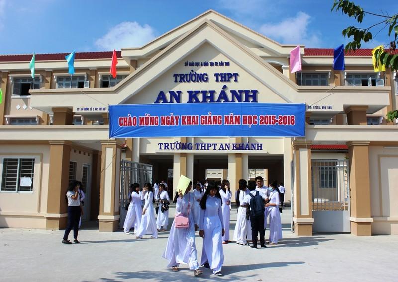Lễ khai giảng ở ngôi trường chỉ toàn học sinh lớp 10 - ảnh 2