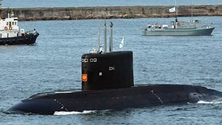 Tàu ngầm lớp Varshavyanka của Nga.