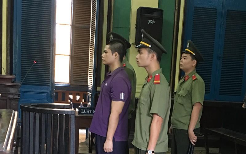Phạt tù cựu công an tung văn bản tối mật lên Facebook - ảnh 1