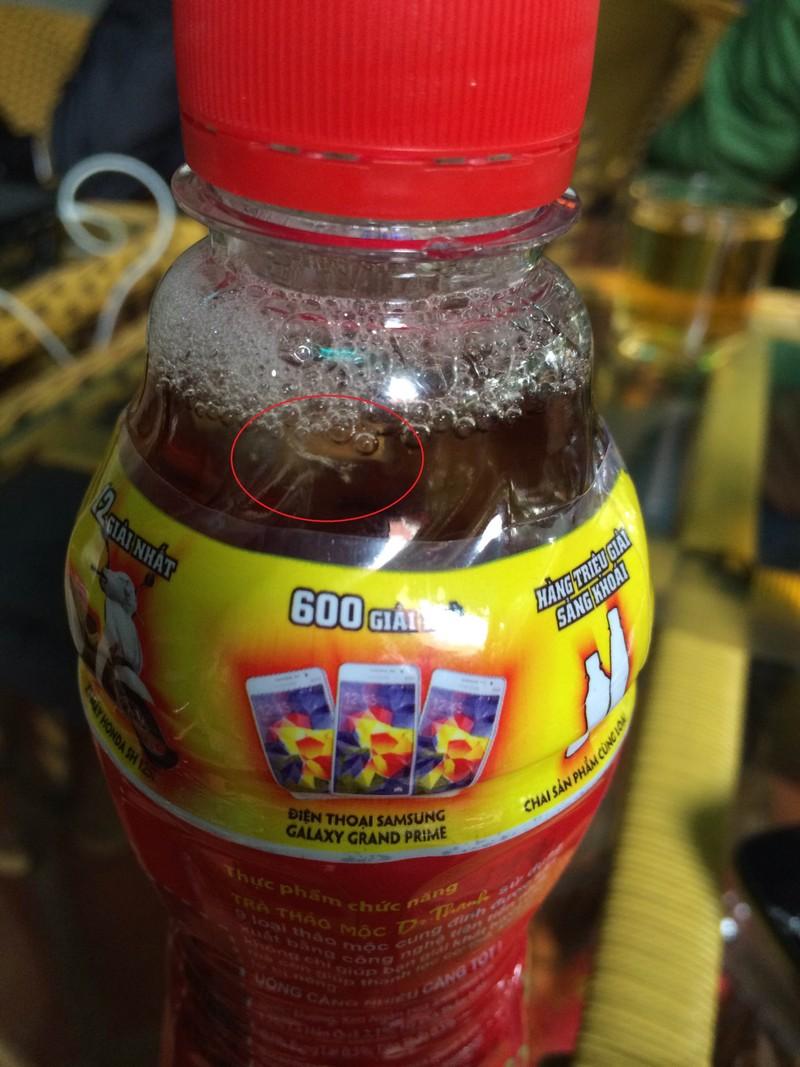 Đắk Lắk: Phát hiện chai trà Dr. Thanh có dị vật lạ - ảnh 2